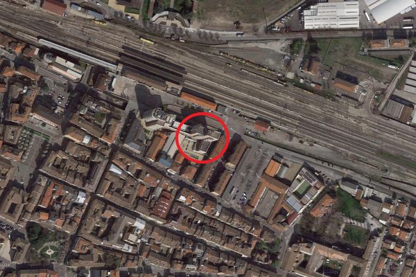 Immagine n0 - Planimetria - Vista aerea - Asta 12006