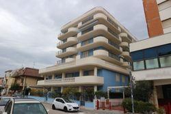 Residence in palazzina residenziale con vista mare