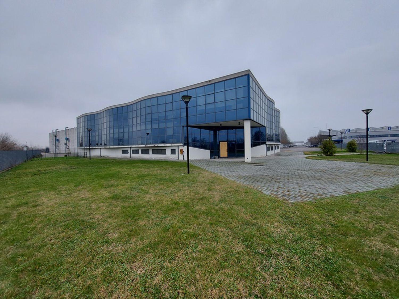 #12087 Porzione di complesso industriale con uffici in vendita - foto 3