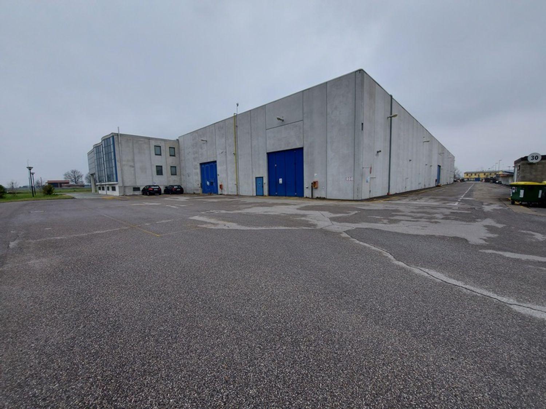 #12087 Porzione di complesso industriale con uffici in vendita - foto 6