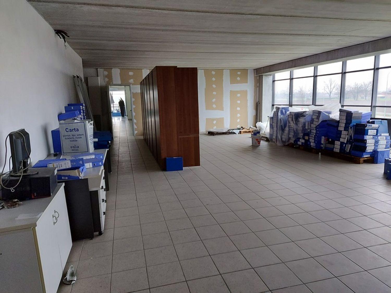 #12087 Porzione di complesso industriale con uffici in vendita - foto 23