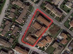 18 appartamenti e 22 autorimesse in complesso residenziale