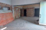 Immagine n2 - Locale commerciale al grezzo con posto auto - Asta 12134