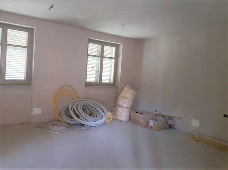 #12196 Locale grezzo al piano terra con garage (sub 121) in vendita - foto 10