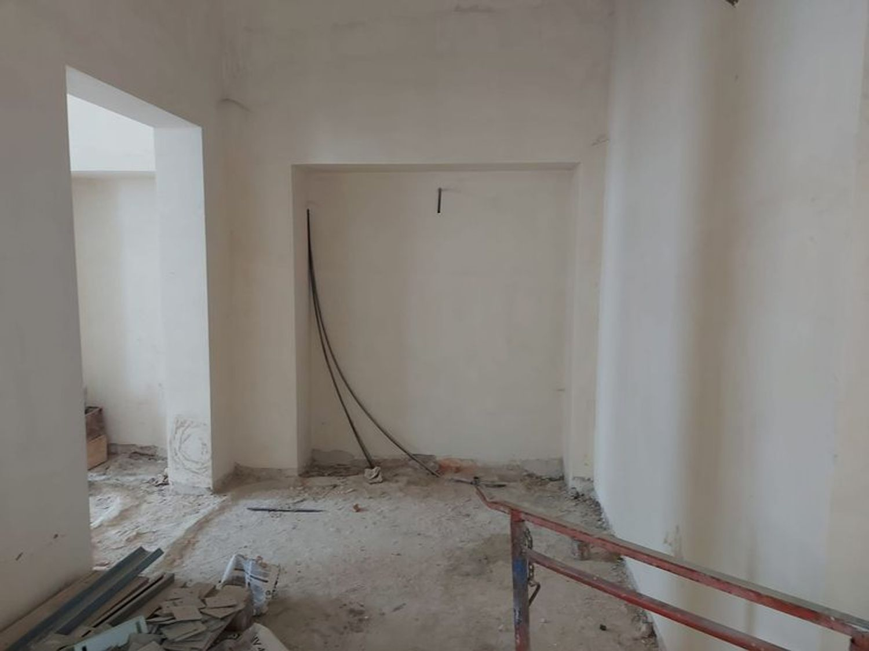 #12197 Locale grezzo al piano terra con garage (sub 122) in vendita - foto 2