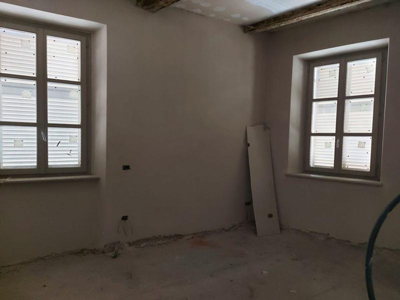 #12197 Locale grezzo al piano terra con garage (sub 122) in vendita - foto 3