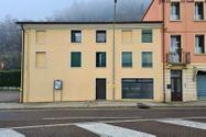 Immagine n5 - Negozio con magazzino e cortile esclusivo - Asta 12280