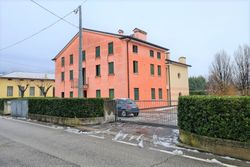 Appartamento bilocale con tre posti auto - Lotto 12282 (Asta 12282)