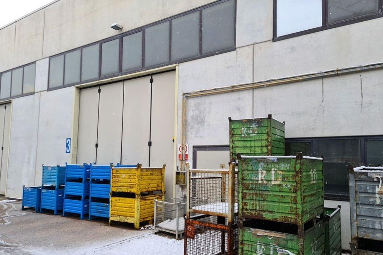 #12290 Porzione di capannone in zona artigianale in vendita - foto 2