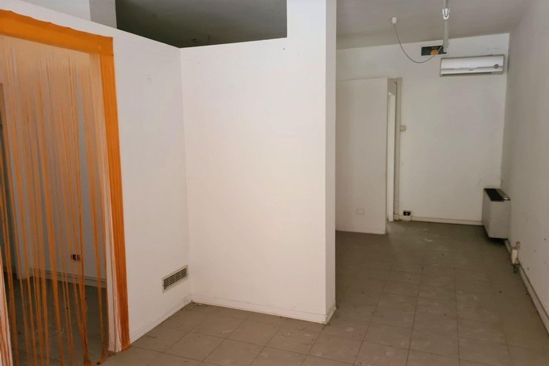#12294 Negozio e magazzino in zona residenziale in vendita - foto 3