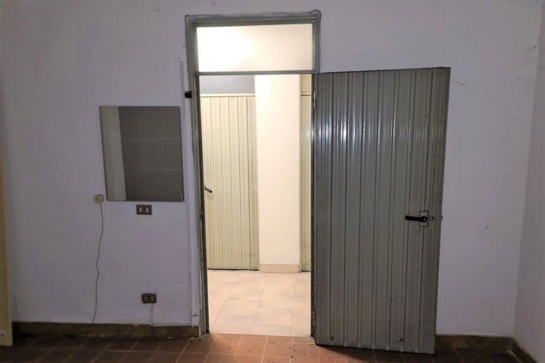 #12294 Negozio e magazzino in zona residenziale in vendita - foto 13