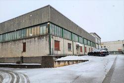 Capannone industriale con due laboratori