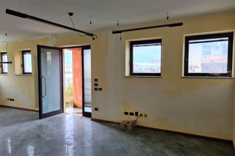 #12296 Edificio produttivo con deposito e alloggio in vendita - foto 2