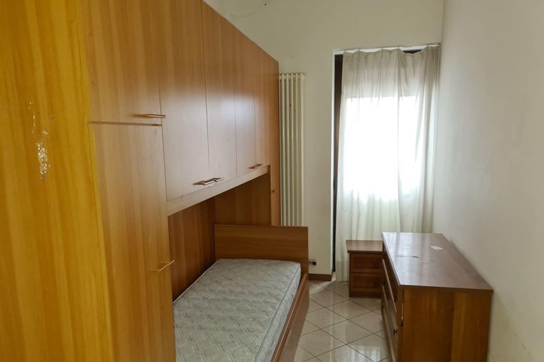 #12296 Edificio produttivo con deposito e alloggio in vendita - foto 8