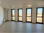 Immagine n0 - Office in a multifunctional complex sub 141 - Asta 12307