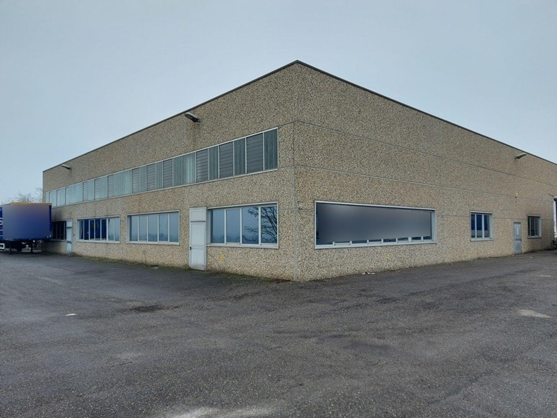 #12309 Capannone industriale con ampia area pertinenziale in vendita - foto 1
