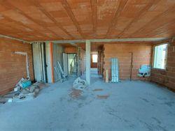 Appartamento grezzo al piano primo con garage (sub 22) - Lotto 12358 (Asta 12358)