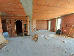 Appartamento grezzo al piano primo con garage (sub 23) - Lotto 12359 (Asta 12359)