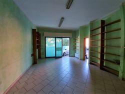 Due negozi con magazzino - Lotto 12371 (Asta 12371)