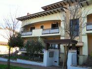 Immagine n0 - Appartamento duplex con cantina e garage (int.3/6) - Asta 1241