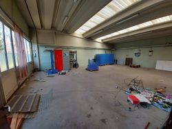 Commercial warehouse with dwelling - Lot 12415 (Auction 12415)