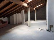 Immagine n13 - Sei appartamenti con quattro box e sette sottotetti - Asta 12424