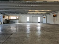 Industrial warehouse with exclusive court - Lot 12431 (Auction 12431)