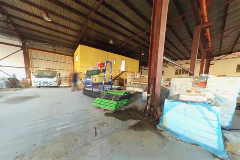 #12433 Capannone per magazzino con uffici grezzi in vendita - foto 3