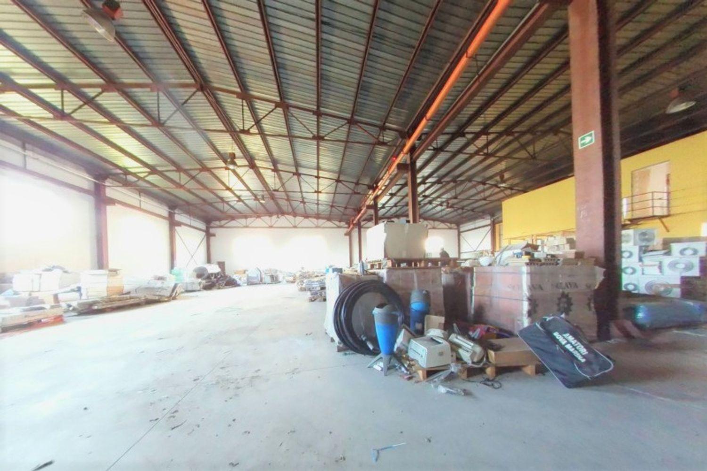 #12433 Capannone per magazzino con uffici grezzi in vendita - foto 11