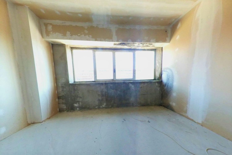 #12433 Capannone per magazzino con uffici grezzi in vendita - foto 13