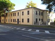 Immagine n0 - Office complex with courtyard and garage exclusive - Asta 1247