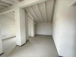 Appartamento al grezzo avanzato con pertinenze