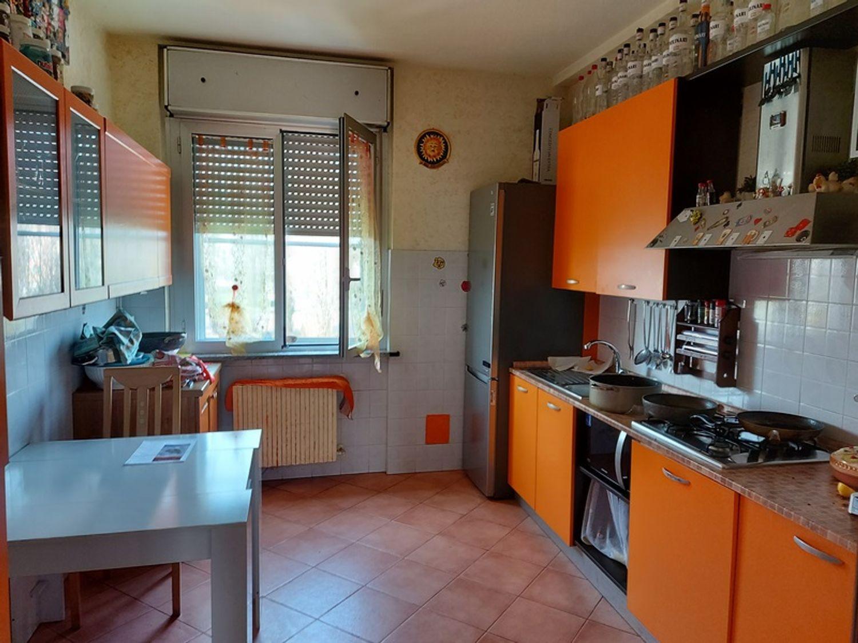 #12506 Capannone con uffici ed appartamento in vendita - foto 18