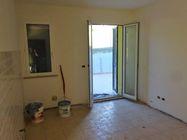 Immagine n1 - Appartamento con cortile (sub 6) e box auto - Asta 1251