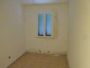 Immagine n4 - Appartamento con cortile (sub 6) e box auto - Asta 1251