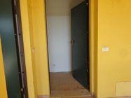 Immagine n8 - Appartamento al piano primo (sub 9) e box auto - Asta 1252