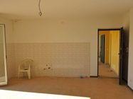 Immagine n2 - Appartamento al piano primo (sub 10) e box auto - Asta 1254