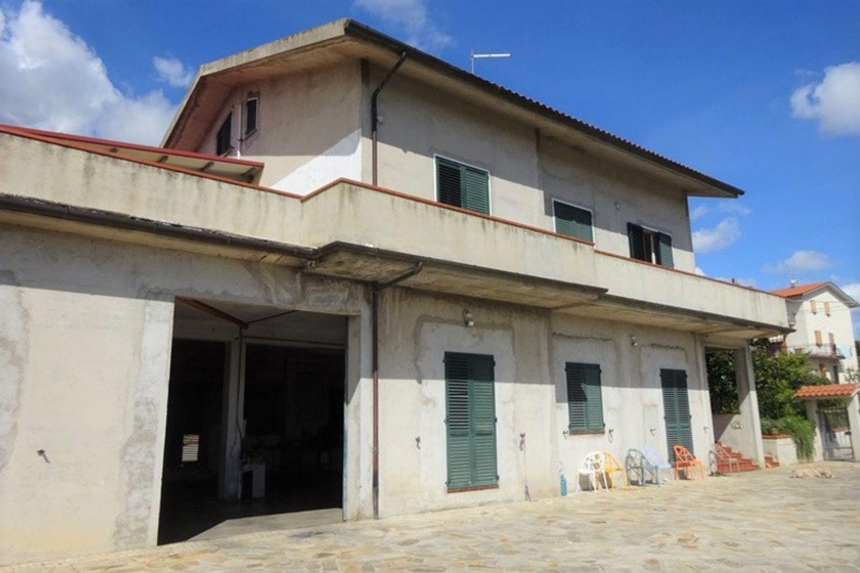 #12540 Laboratorio artigianale e magazzino rustico in vendita - foto 1