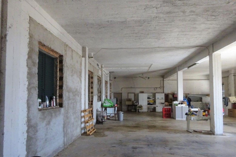 #12540 Laboratorio artigianale e magazzino rustico in vendita - foto 3