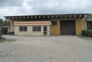 Immagine n0 - Warehouse hall with offices and courtyard - Asta 1256