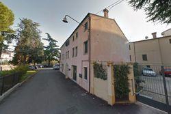 Tre appartamenti con pertinenze - Lotto 12635 (Asta 12635)