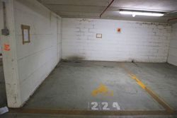 Parking space sub near the historic center - Lot 12640 (Auction 12640)