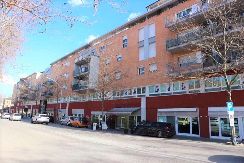 #12645 Negozio (sub 487) vicino centro storico in vendita - foto 2