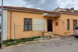 Casa da ristrutturare con giardino e cantina - Lotto 12660 (Asta 12660)