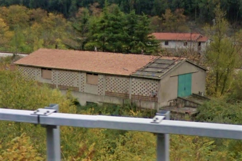 #12662 Capannone e tettoia aperta vicino ferrovia in vendita - foto 2