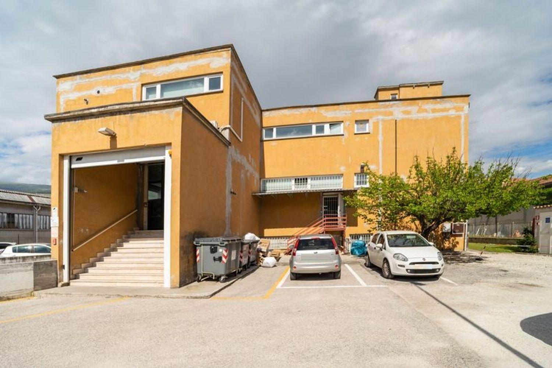 #12667 Edificio produttivo con impianto fotovoltaico in vendita - foto 2