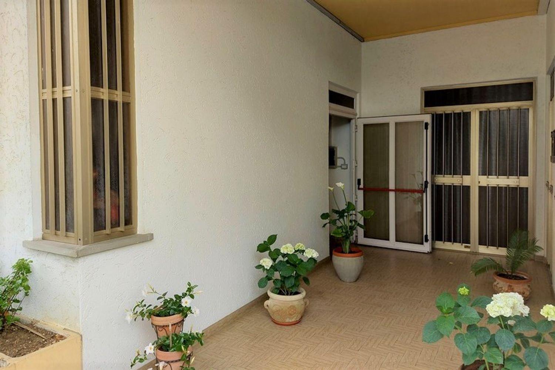 #12668 Negozio e pertinenze in edificio residenziale in vendita - foto 2