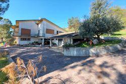 Villa unifamiliare con due autorimesse e orto - Lotto 12669 (Asta 12669)