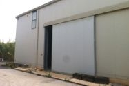 Immagine n1 - Two hangars with offices and exclusive courtyard - Asta 1274