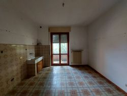 Large apartment with cellar and garage - Lot 12772 (Auction 12772)